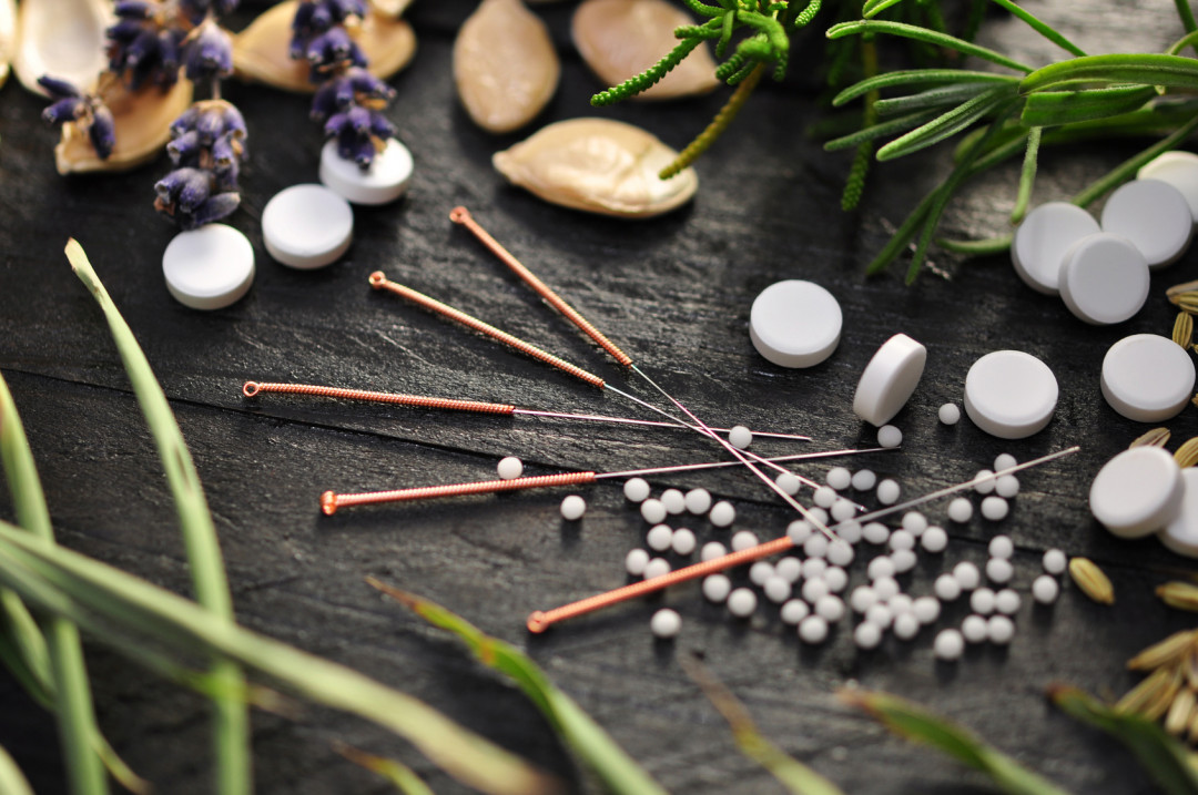 Chinese-Herbal-medicine-and-acupuncture.jpeg