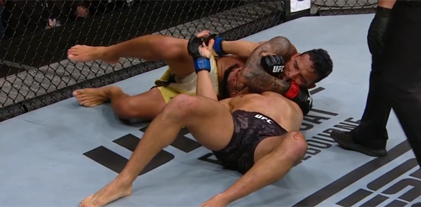 Charles Oliveira with new record for most submissions in the UFC history