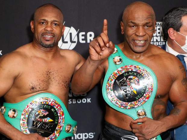 Mike Tyson vs. Roy Jones Jr. in entertaining exhibition fight