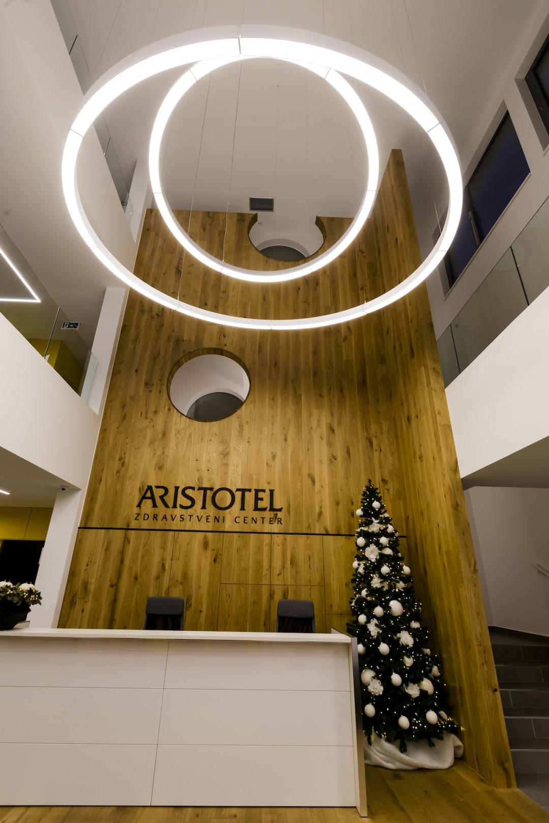 Aristotel, zdravstveni center