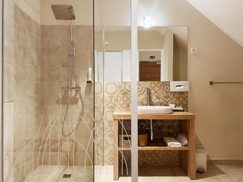 Dvoposteljna soba Hotel Tri lučke (kopalnica)